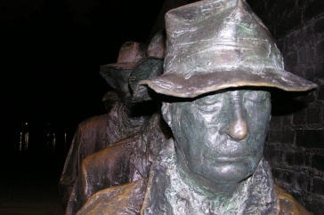 photo of Depression Breadline sculpture