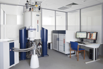700 MHz nuclear magnetic resonance spectrometer