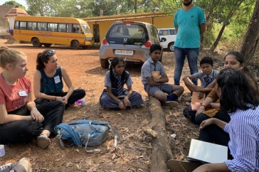 Jordan Garrett '20 (l) and Taylor Lindsay '19 (r) with Goan students
