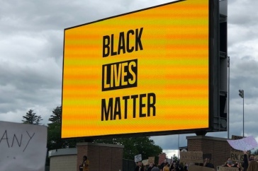sign that reads: Black Lives Matter