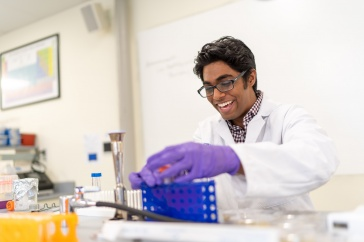 Fardeen Siddiqui '23 in the lab at UNH Manchester