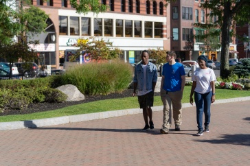 UNH Manchester students can get discounts