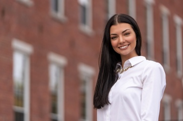 Kyleigh Cooley '21, business graduate at UNH Manchester