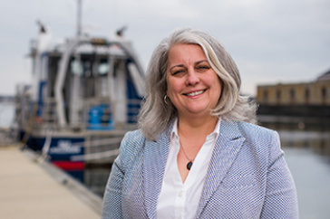 Head shot of Diane Foster, director of the UNH School of Marine Science and Ocean Engineering (SMSOE)