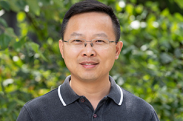 Gonghu Li, UNH associate professor in chemistry and materials science