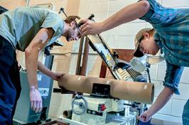 students building ROV
