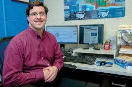 UNH associate professor Tom Safford