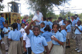 UNH students in Dominican Republic