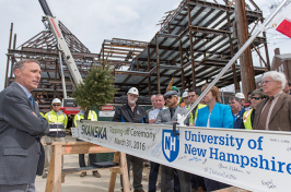COLA Dean Ken Fuld at Ham Smith topping off ceremony, UNH