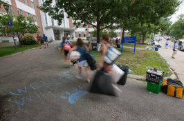 Move-in day for first-year students at UNH 2016