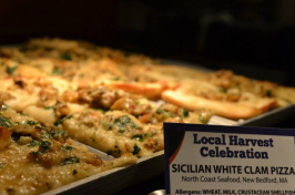 white clam pizza at UNH harvest dinner