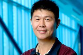UNH researcher Xiaowei Teng