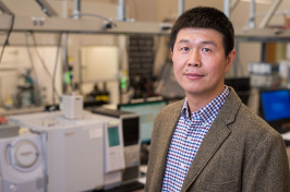 UNH associate professor of chemical engineering Xiaowei Teng