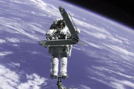 UNH alumnus and NASA astronaut Lee Morin
