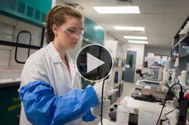 UNH student in internship at Lonza Biologics