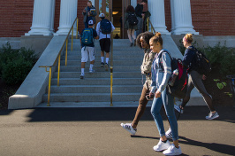 UNH students walking in front of Hamilton Smith Hall