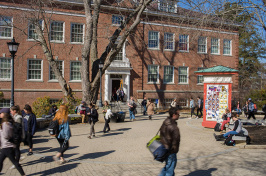 UNH students in Murkland Courtyard