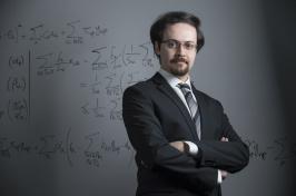 Associate professor of decision sciences Ali Hojjat