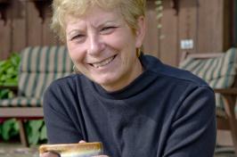 Linda Rene Bergeron '73