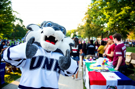 Wild E. Cat giving a thumbs up at U Day