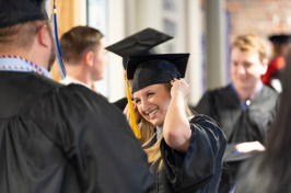 2018 graduates of UNH Manchester at commencement