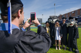 Members of the UNH Class of 2018 with the mascots