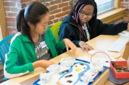 Elementary and middle school students get hands-on experience in science, computing and mathematics at the UNH STEM Discovery Lab.