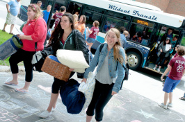 first year students arrive on campus