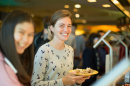 Studentd Dining at Holloway Commons
