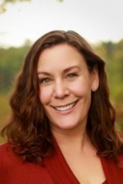 Kelly Giraud headshopt, associate professor of natural resource economics