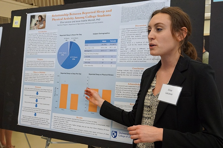 Elise Lacasse '18 at the UNH Undergraduate Research Conference