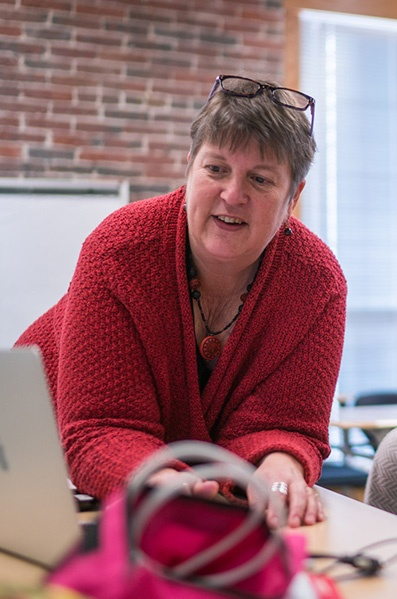 Laurie Shaffer, Lecturer in American Sign Language at UNH Manchester
