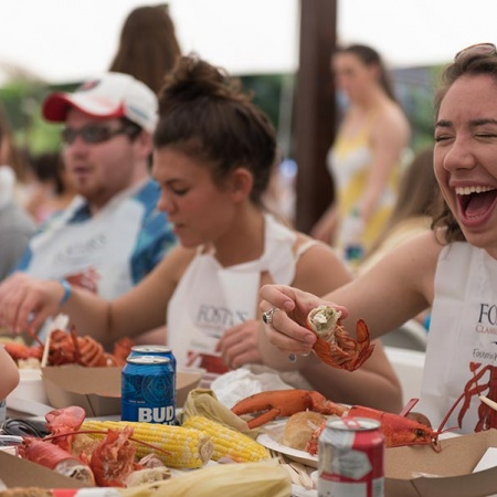 UNH senior lobsterbake