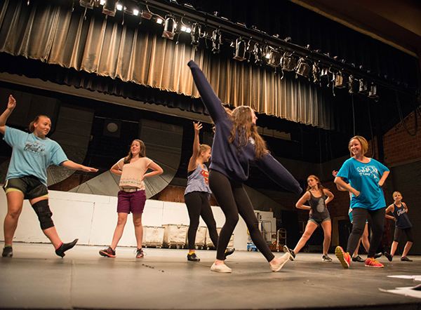 UNH Theatre & Dance Camp participants