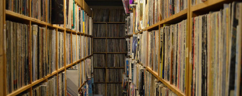 WUNH vinyl collection, color