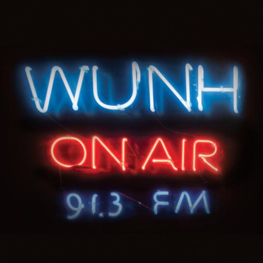 WUNH sign
